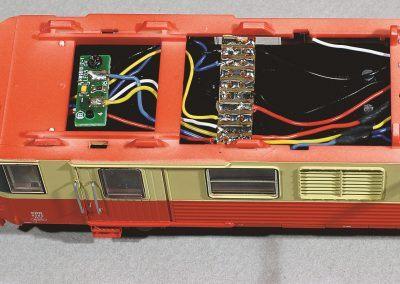 12-Montage de la barrette de connexion sur le carter-lest.