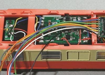 4-Installation simple de décodeur plat.