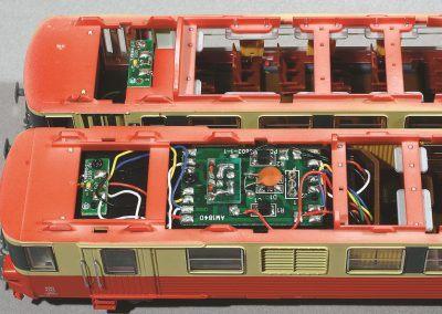 8-L'intérieur des caisses après avoir enlevé les toitures.
