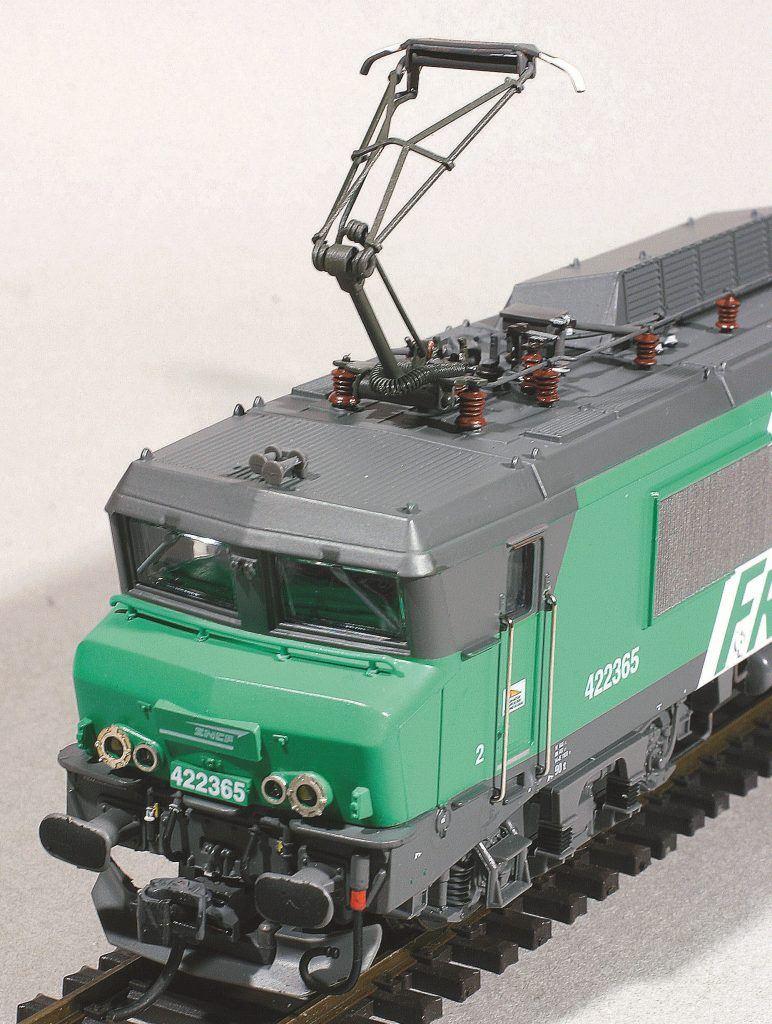 1-La BB 422365 Roco, superdétaillée selon notre article.