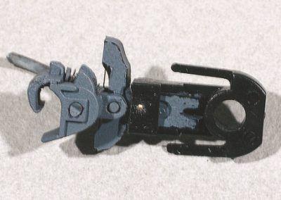 5-Montage d'un attelage Kadee n° 18 dans le boîtier d'attelage Roco.
