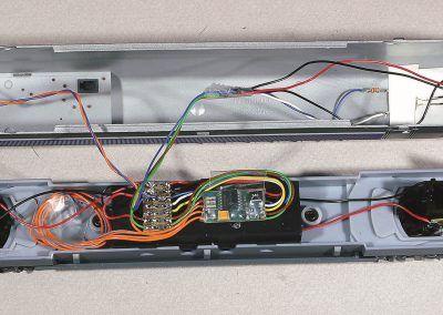 7-Montage de l'éclairage des feux et alimentation de l'éclairage rame.