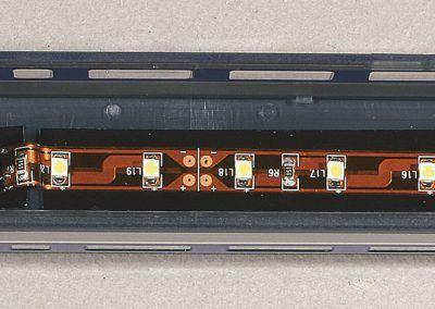 9-Montage de l'éclairage dans une remorque.