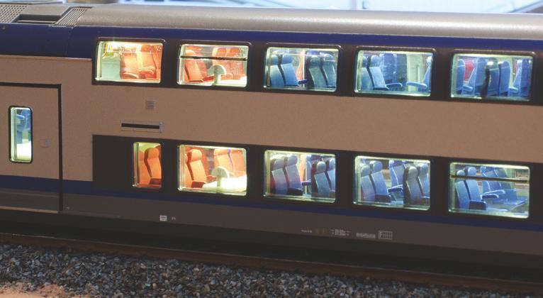 12 - Voiture de rame TER 2N NG Jouef, éclairée selon un article RMF : l'aménagement est bien visible !