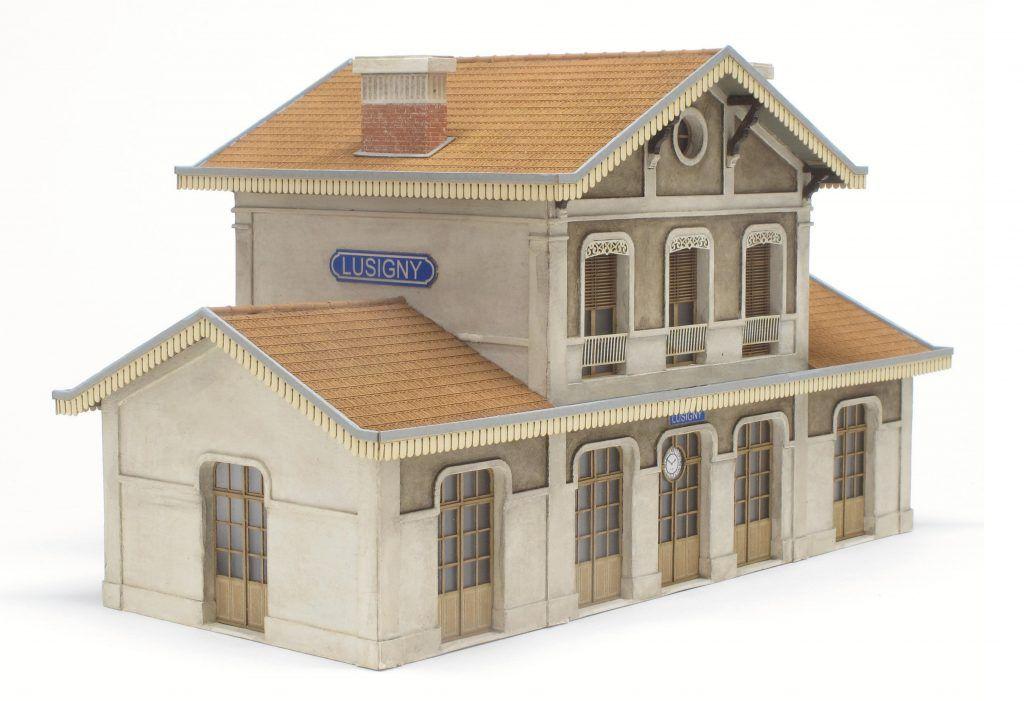 La gare de Lusigny de Debelem
