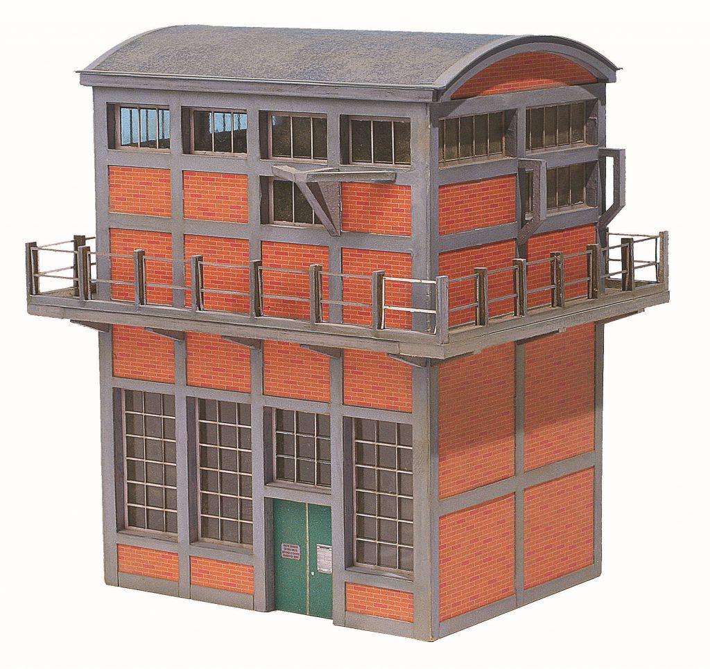 1 - La sous-station électrique de R & C est l'exemple type de maquette aboutie avec l'emploi du carton.