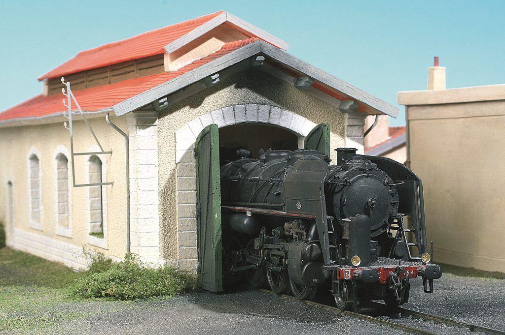 1 - Un bâtiment omniprésent dans un petit dépôt ou en annexe traction dans une gare.