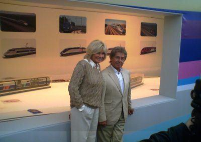 Maryse et Philippe Gildas sur le stand RMF Jouef lors des 25 ans du TGV