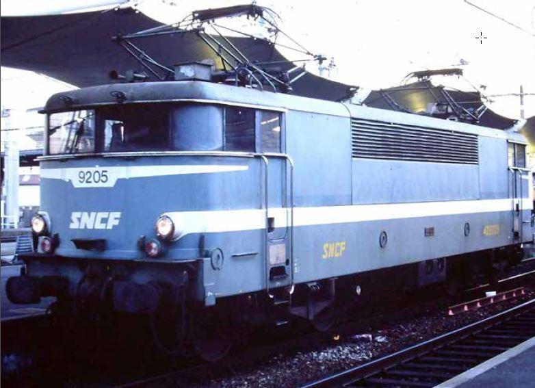 La BB 9205 en gare de Bordeaux St Jean.