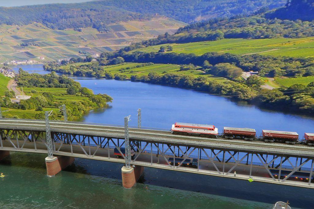 Le pont de Bullay à l'échelle Z
