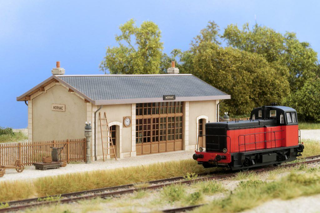 Le locotracteur Y 51147 du train des mouettes d'aujourd'hui, un beau travail de Bernard Ciry présenté dans ce numéro.
