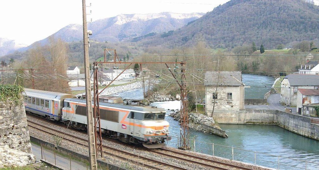 Saint Pé de Bigorre TER pour Pau. Février 2016.