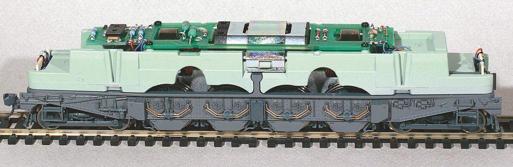 2-Châssis de la 2D2 Roco, avant montage de décodeur.