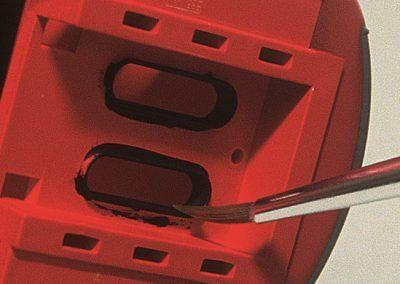 Les joints des vitres des portes d'intercirculation seront peints en noir