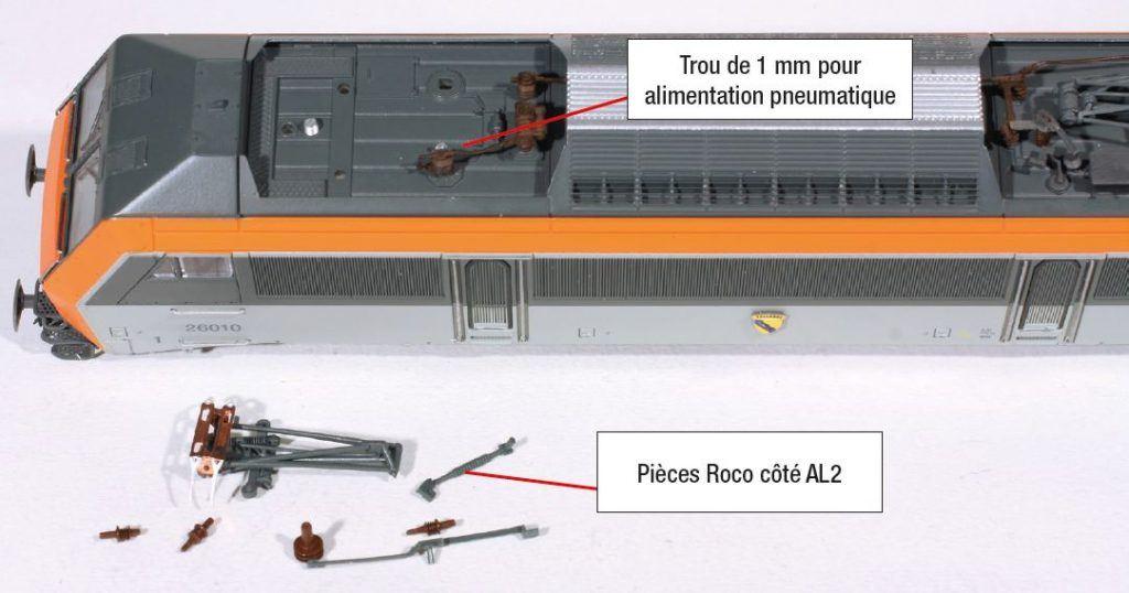 4 - Côté pantographe continu AL2, dépose du pantographe Jouef et perçage d'un trou pour alimentation pneumatique Roco.