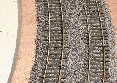 20-La double voie est imbibée de colle, laissez-la bien sécher une demi-journée à 24 heures avant son ultime décoration.