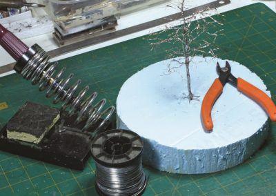 5 – Le matériel nécessaire pour déposer la soudure sur le tronc et des branches.