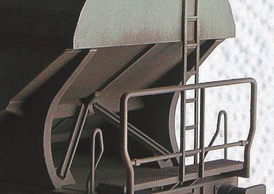 31 – Les parties intérieures des extrémités sont généreusement traitées avec la «crasse universelle».